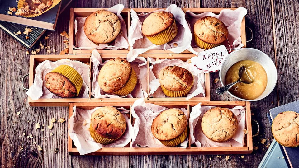 Ganz schnell selbergemacht und dazu herrlich saftig: Diese Apfelmusmuffins schmecken Kindern wie Erwachsenen