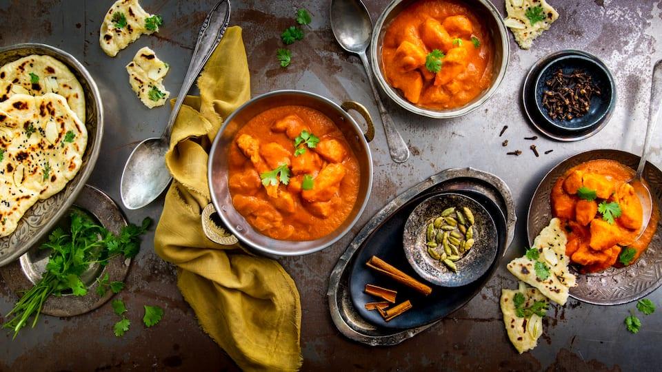 Ein Klassiker der indischen Küche und lecker aromatisch würzig: Probieren Sie unser Rezept für Butter Chicken doch einmal aus und servieren dazu am besten Reis.