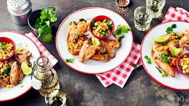 Chicken Wings mit Maissalat
