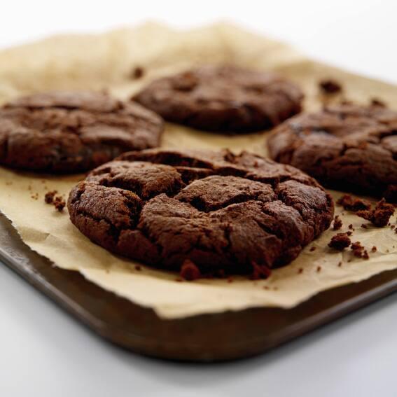 Sie lieben Schokolade? Backen Sie unsere Chocolate Cookies und genießen Sie Kekse, die nicht nur in Amerika zu den beliebtesten Plätzchensorten gehören!
