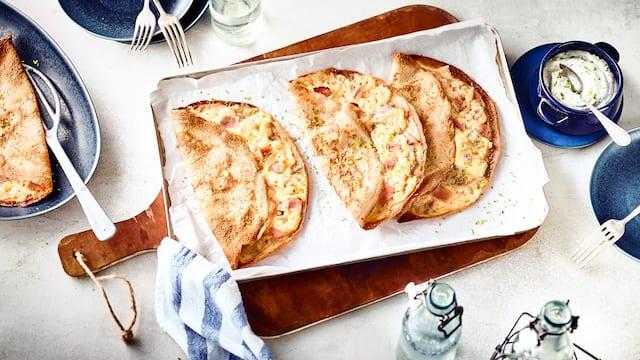 Crêpes mit Käse und Schinken