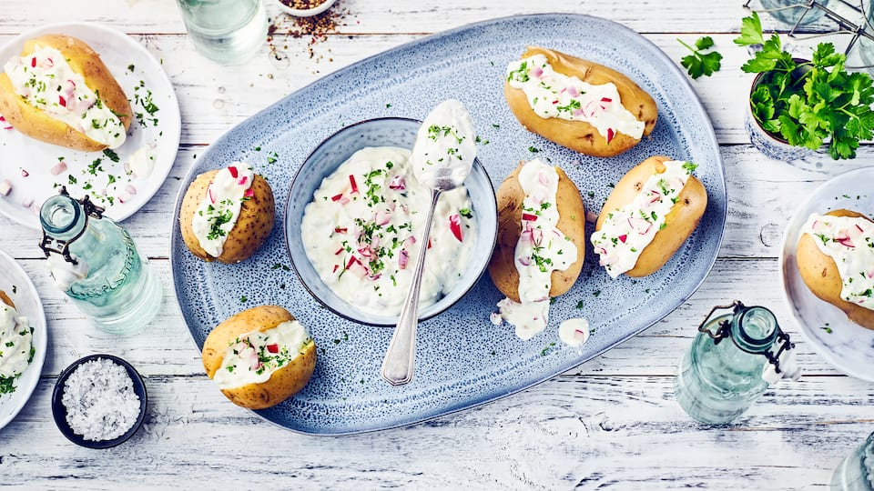 Sour Cream zu Kartoffeln