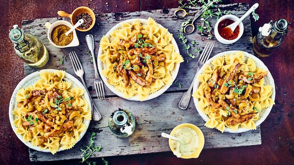 Schnelles Pastagericht: Probieren Sie unsere Farfalle mit Curry und Schweinegeschnetzeltem, Marsala und Mandarine – exotisch und pikant!