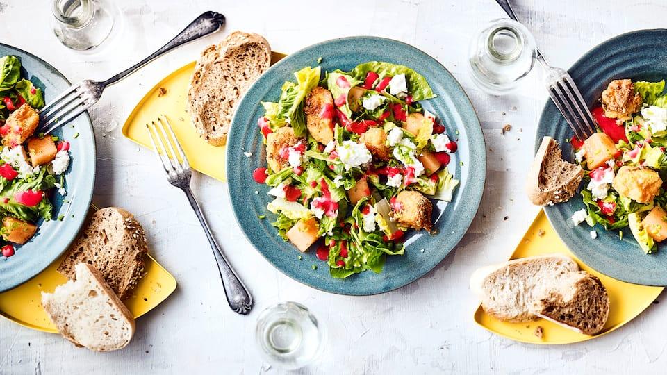 Fruchtiger Salat mit Fisch