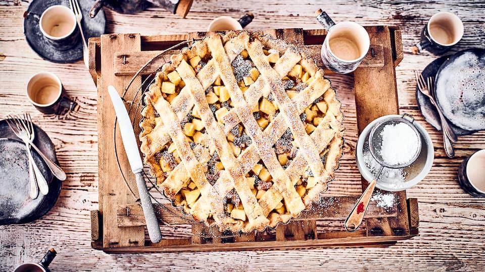 Backen Sie mit unseren Rezepten leckere Apfelkuchen! Der süße Obstkuchen-Klassiker aus Mürbeteig schmeckt zu Kaffee, Tee und zum Nachtisch.