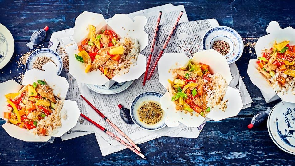 Süß-saures Gericht mit asiatischem Flair: Probieren Sie unser mariniertes Hähnchen-Geschnetzeltes mit Ingwer, Chili, Sesam und frischer Ananas – fertig in 40 Minuten!