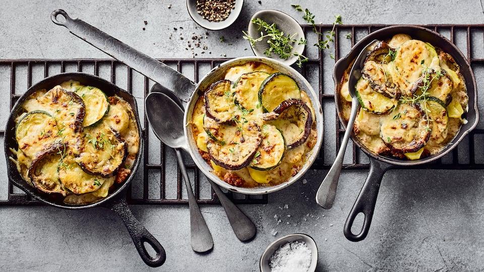 Kochen Sie deftiges griechisches Moussaka selber und verwöhnen Sie sich und Ihre Familie mit unserem köstlichen Moussaka-Rezept! Worauf warten Sie?
