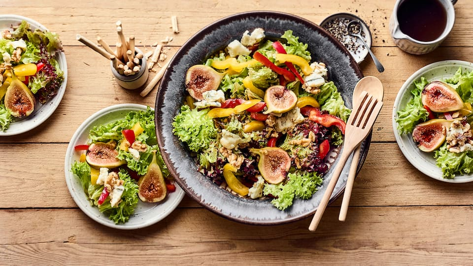 Grüner Salat mit Gorgonzola