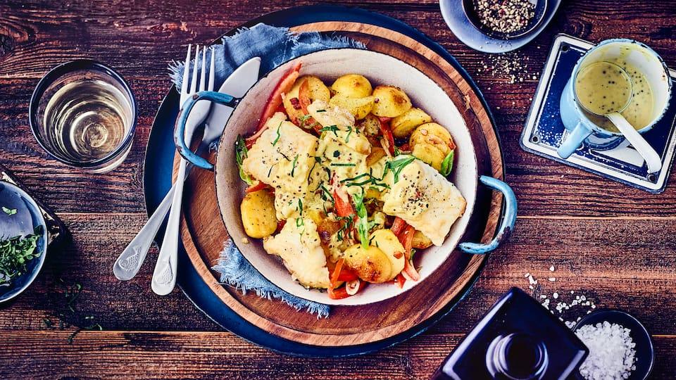 Mit Kartoffeln, Speck und etwas Gemüse zaubern Sie bei unserem Hechtfilet in selbstgemachter Senfsauce hier Ruckzuck ein schnelles Mittagessen!