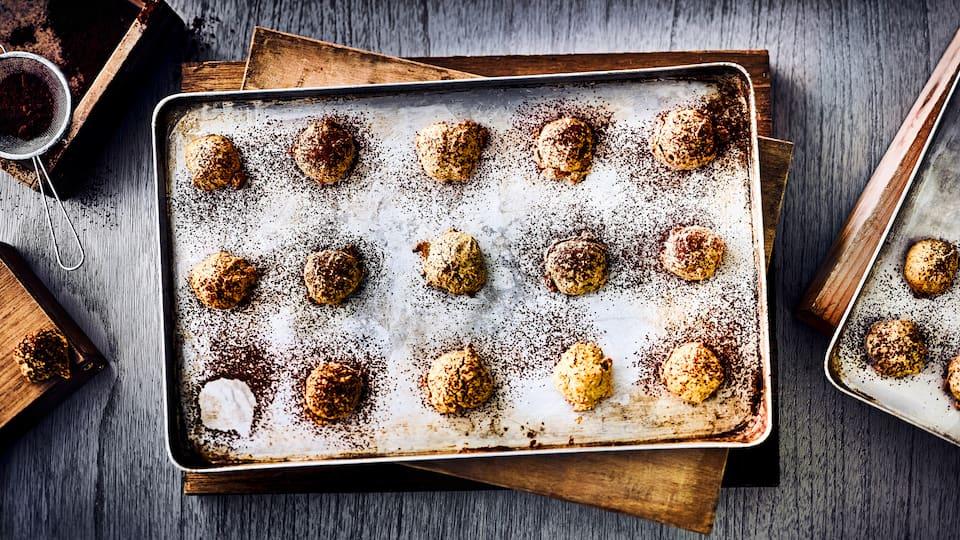 Fruchtig und ja, mit Kaki kann man Kekse backen, unsere Kaki-Mandelkekse sind einfach köstlich und vor allem im Sommer ein Genuss.