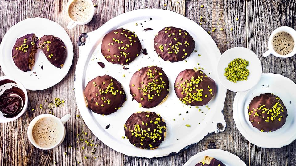 Lebkuchen mal besonders saftig – perfekt für einen Herbst-Nachmittag oder auch zu Weihnachten. Probieren Sie diese selbstgemachten Kartoffellebkuchen.