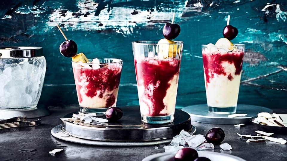 Fruchtig, lecker und ganz schnell zubereitet: Der Kiba-Cocktail ist ein Klassiker, überraschen Sie Ihre Liebsten doch mal mit dieser Variante!