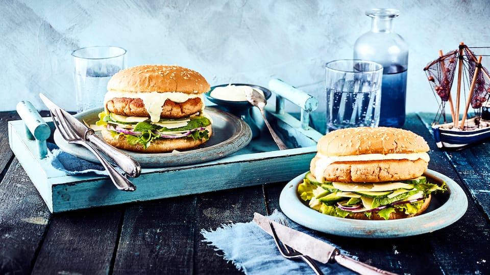 Lust auf Burger aber auch auf etwas Abwechslung? Unsere Idee: Selbstgemachte Patties aus leckeren Nordseekrabben und dazu eine köstliche Senf-Mayonnaise.