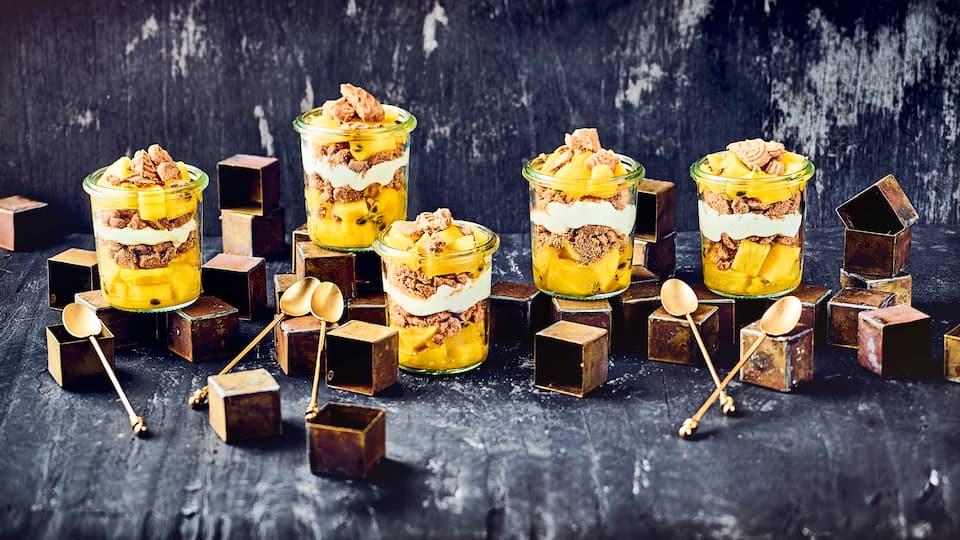 Mango-Ananas-Schichtdessert