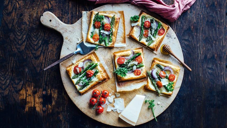 Mini-Spargel-Pizzen