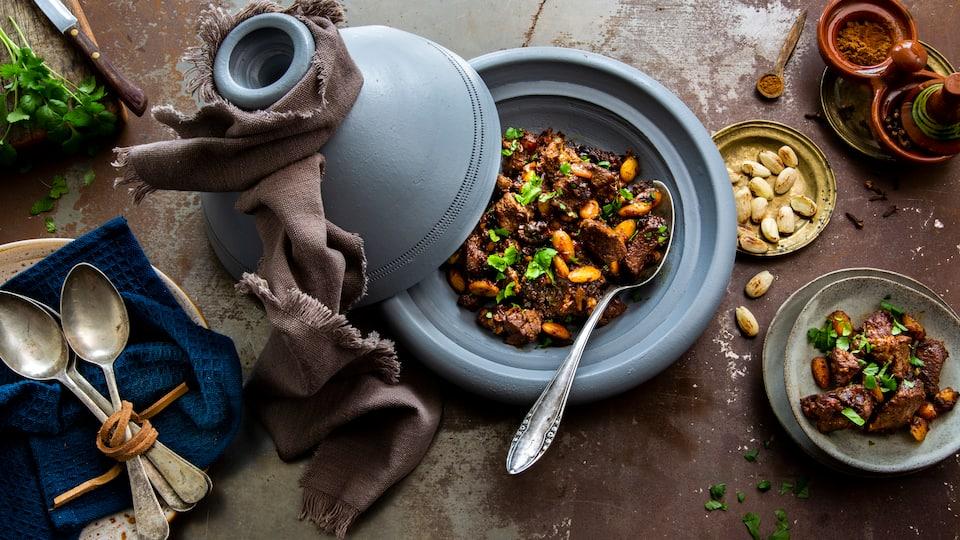 Exotisch-würziges Fleischgericht: Probieren Sie unser orientalisches Lamm mit Knoblauch, Koriander, Nelken und Zimt – pikant und lecker!
