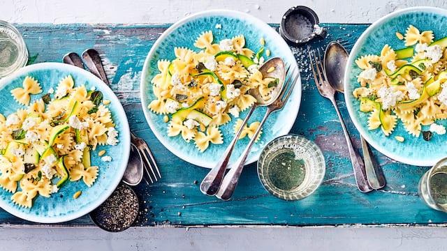 Pasta mit Zucchini und Käse