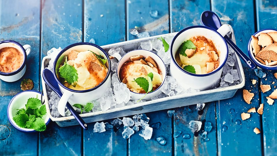 Sommerlicher Nachtisch schnell gemacht: Bereiten Sie mit unserem Rezept einen erfrischenden Pfirsich mit Zitronensorbet zu! Auch als kühler Snack am Nachmittag eine Alternative zu Eis.