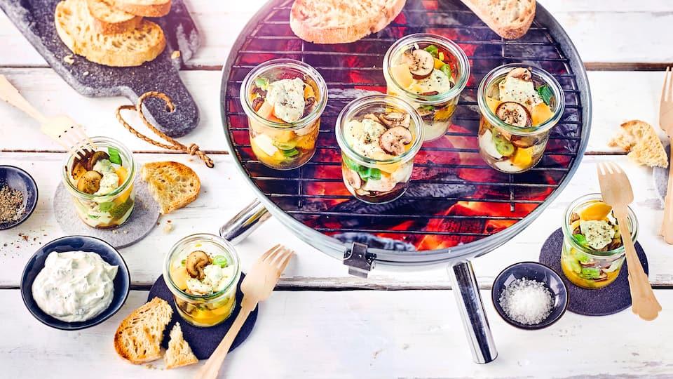 Fruchtig und würzig: Probieren Sie doch einmal unseren Pilzsalat vom Grill zu Ihrem nächsten Grillfest!