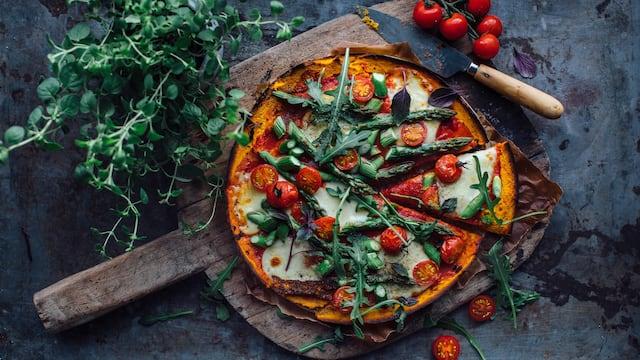 Pizza mit Süßkartoffelboden