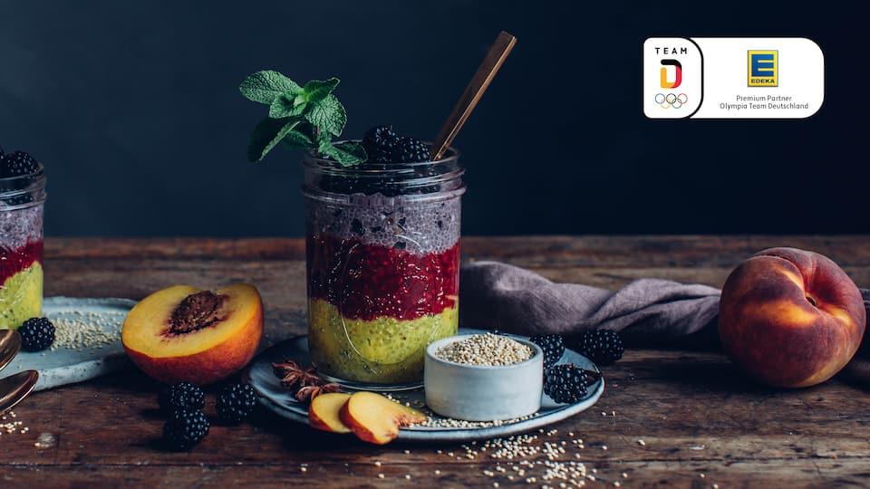 3 Schichten volle Power zum perfekten Start in den Tag: Unser Team-Deutschland Frühstück: Quinoa-Chia-Trifle!