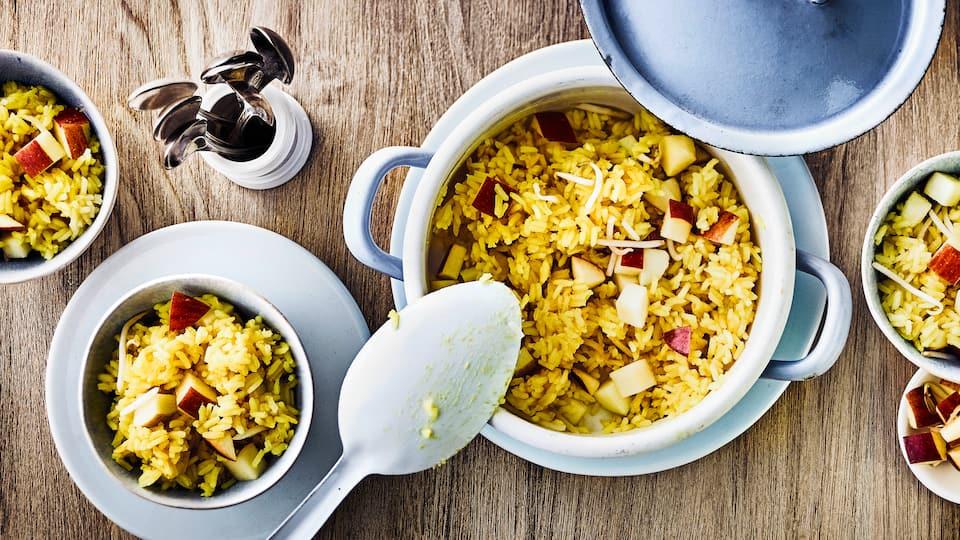 Schnelles Mittagsgericht oder als Snack für Zwischendurch ohne Gluten: Probieren Sie unsere Reiscreme mit Äpfeln, Mungobohnensprossen und Kokosmilch – in nur 20 Minuten zubereitet!