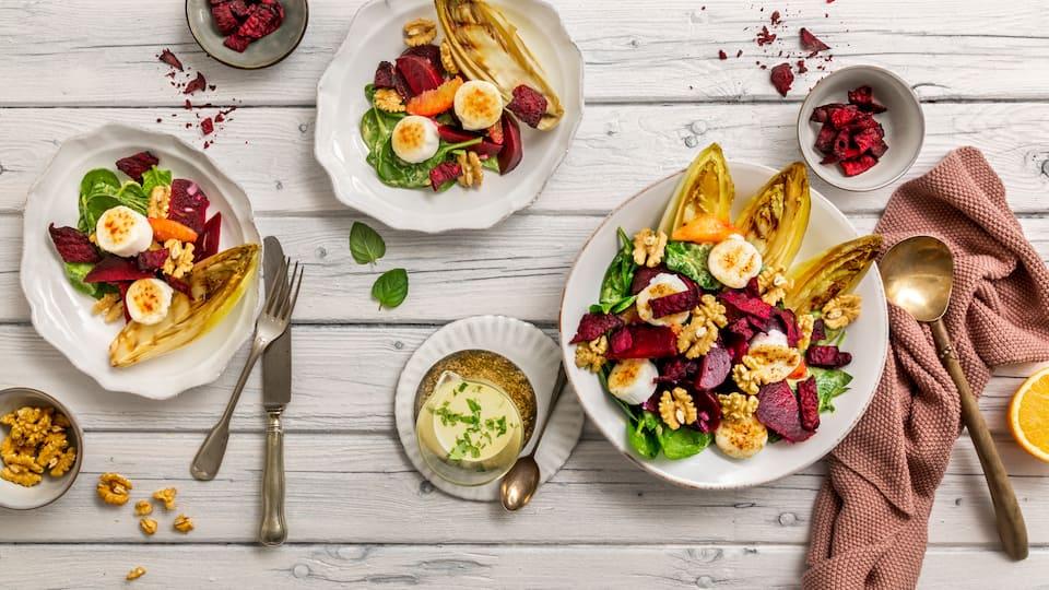 Bringen Sie Abwechslung in Ihre Küche! Unser Rezept für Rote-Bete-Salat mit Ziegenkäse vereint fruchtige und herzhafte Aromen. Darüber hinaus erklären wir Ihnen, welche wertvollen Nährstoffe in Roter Bete enthalten sind.