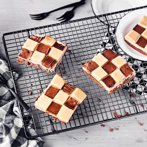 schoko biskuit rolle rezept edeka. Black Bedroom Furniture Sets. Home Design Ideas