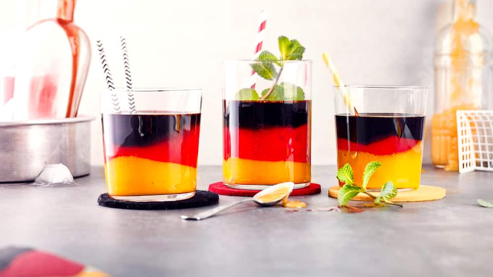 Schwarz-Rot-Gold-Cocktail