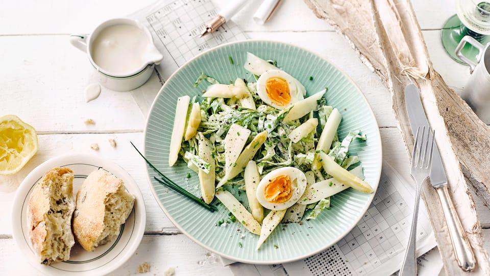 Spargelsalat mit Ei