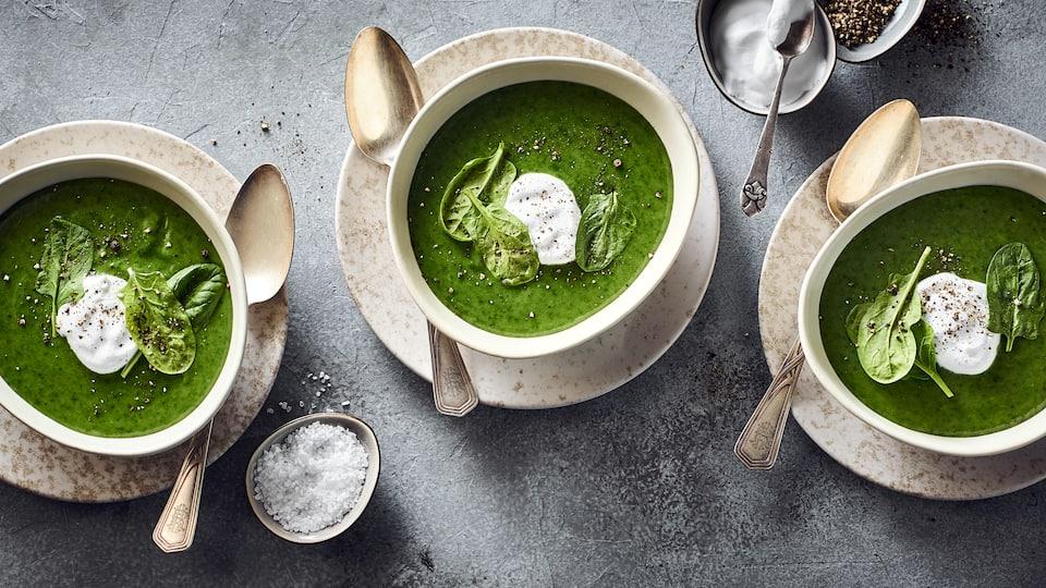 Spinatcreme-Suppe mit Kokosmilch