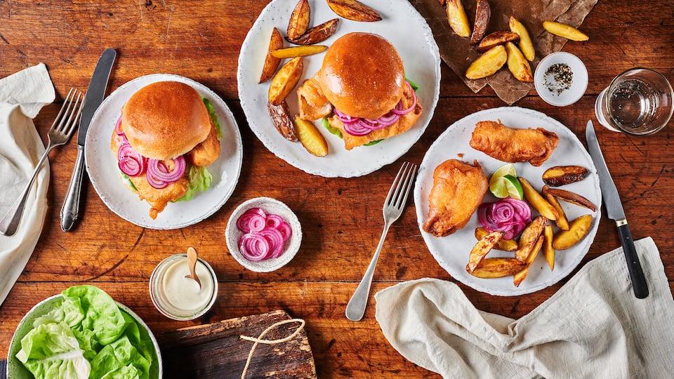 Lecker Backfisch im Brötchen! In unserer Version nehmen wir dafür selbst paniertes Kabeljaufilet und Brioche Burger Buns und dazu eine Limettenmajo!