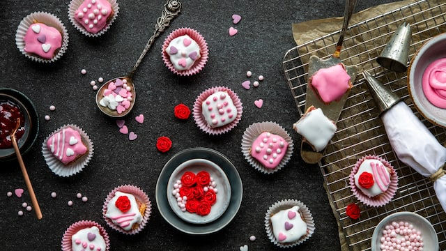 Valentinstags-Petits-Fours
