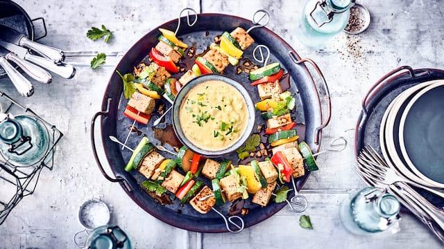 Vegane Tofu-Gemüse-Spieße