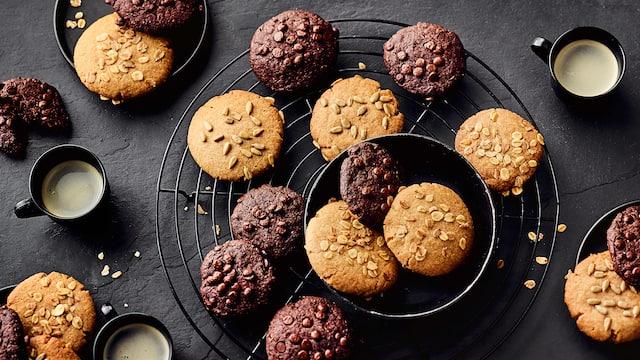 Nicht nur für die Weihnachtszeit: Probieren Sie unsere Vollkorn-Cookies mit Rohrzucker, Schokoladentropfen und Haferflocken! Echte Nervennahrung!